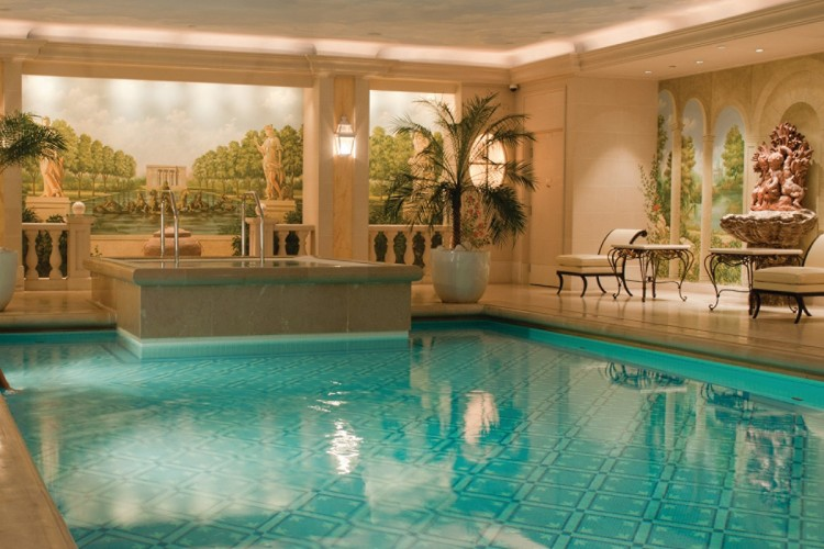 George V Paris swimming pool
