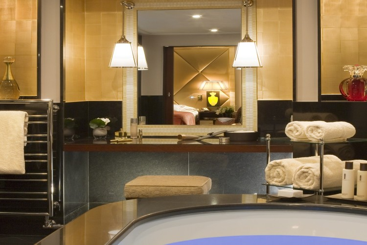 Fouquet's Barriere Paris Presidential Suite bathroom