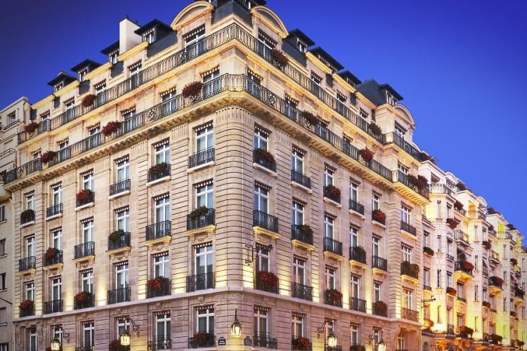 La façade de l'hôtel Le Bristol Paris