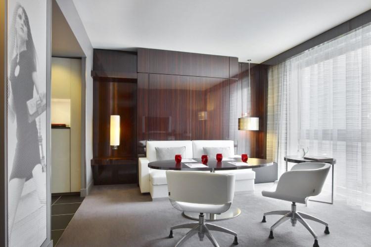 Le Meridien Etoile - Senior Suite - Living room