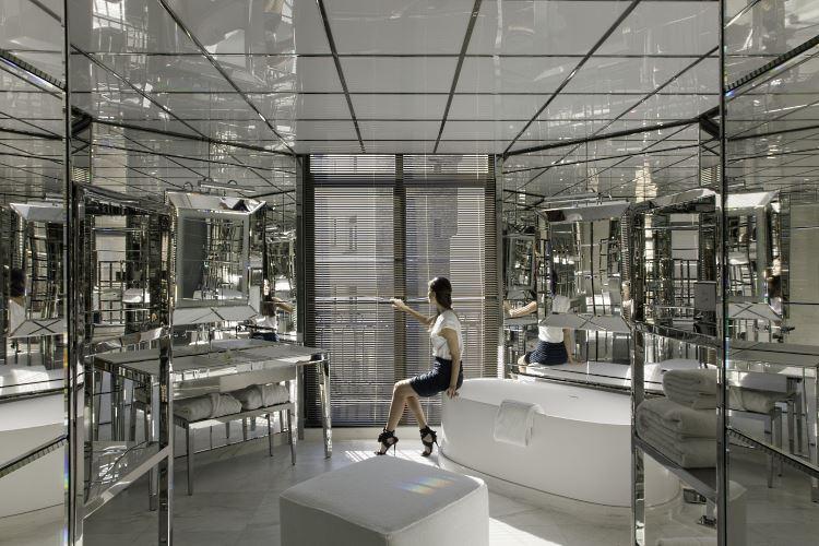 salle de bains Le Royal Monceau Raffles Paris Royal Monceau Suite