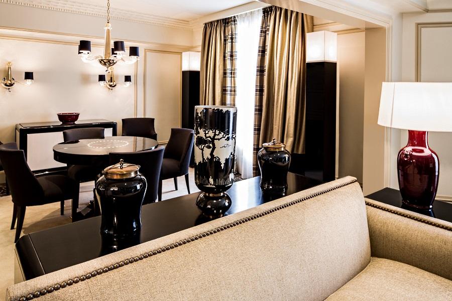 prince de galles paris luxury hotel in paris france. Black Bedroom Furniture Sets. Home Design Ideas