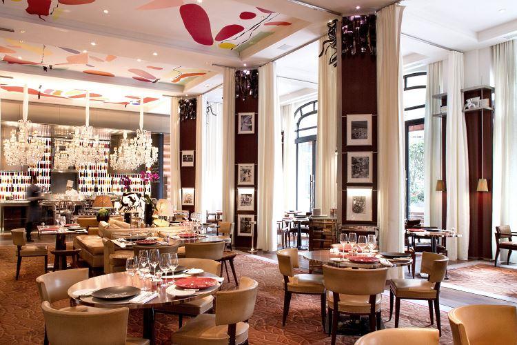 Le royal monceau raffles paris luxury hotel in paris for Restaurant le jardin royal monceau