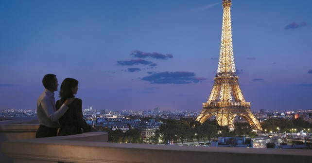 Best luxury hotels around the Eiffel Tower