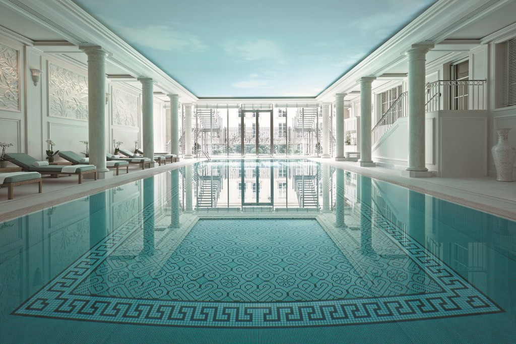 Shangri-La Paris swimming pool