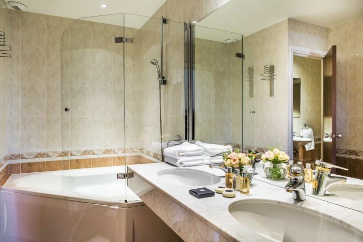 B4 Nice Plaza - Bathroom