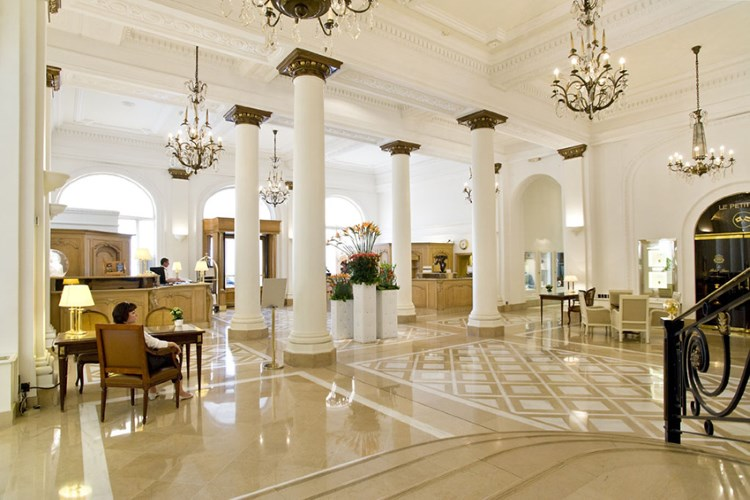 Intercontinental carlton cannes luxury hotel in cannes for Hotel luxe france