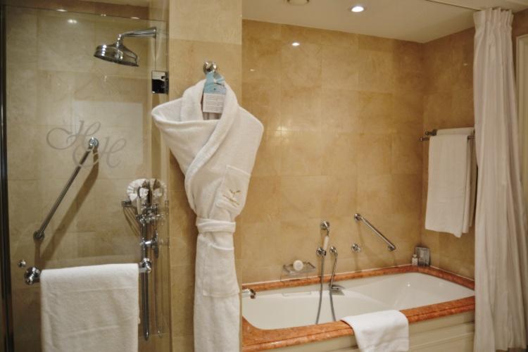 Hermitage hotel monte carlo junior suite hotel review - Hotel salle de bain ...