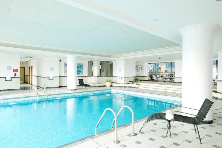 Hilton Paris Charles de Gaulle Airport - Pool