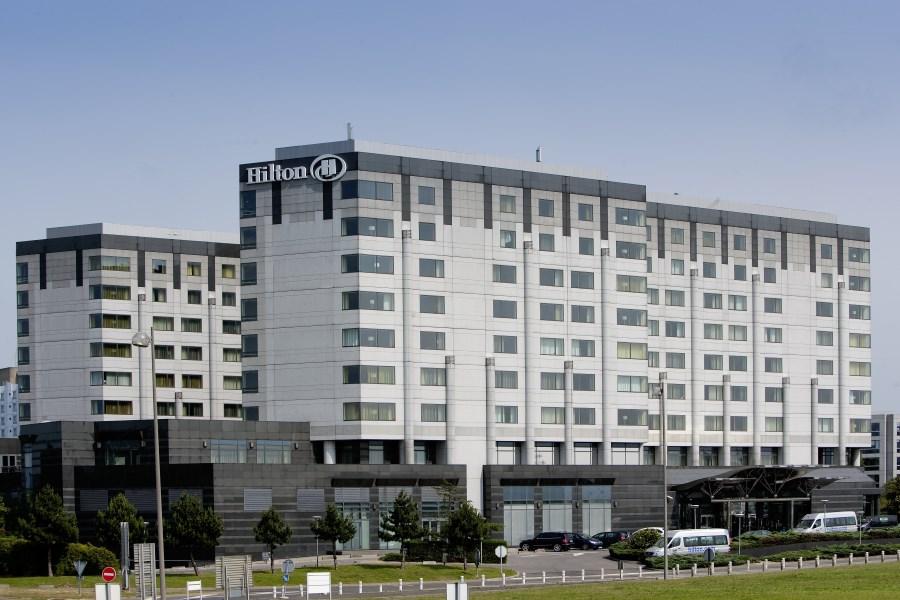 Hilton paris a roport charles de gaulle h tel de luxe - Piscine charles de gaulle ...