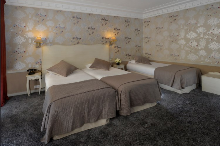 Hotel Louvre Montana - Deluxe Room