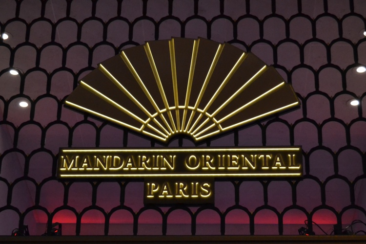 le mandarin oriental paris luxury hotel in paris france. Black Bedroom Furniture Sets. Home Design Ideas