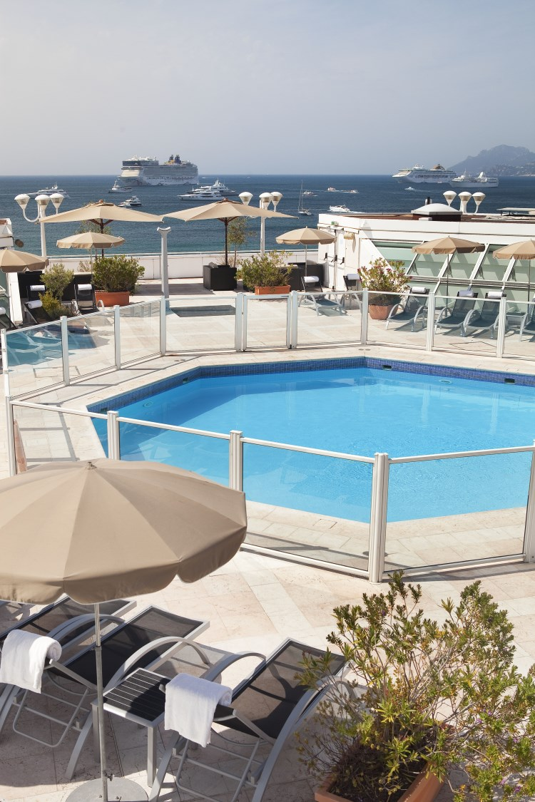 JW Marriott Cannes - La piscine