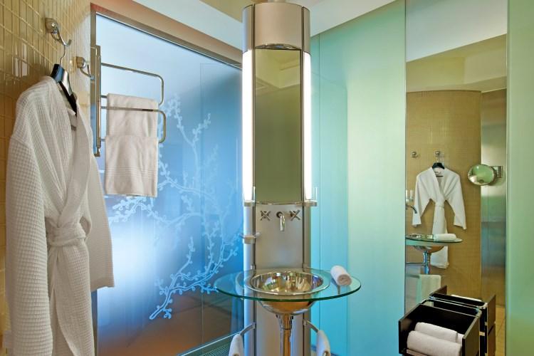 Le Meridien Beach Plaza - Design Bathroom