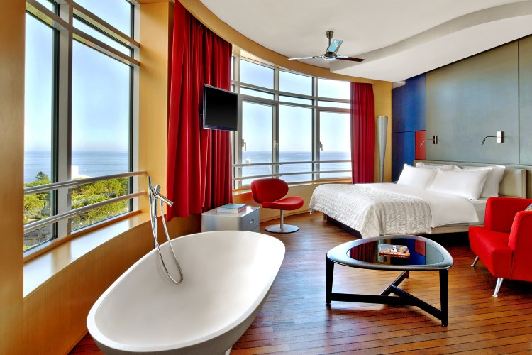 Le Méridien Beach Plaza - Suite Design
