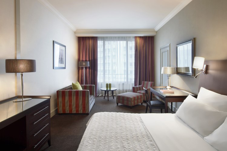 Le Meridien Beach Plaza - Guest Room