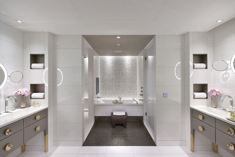 Mandarin Oriental Paris bathroom