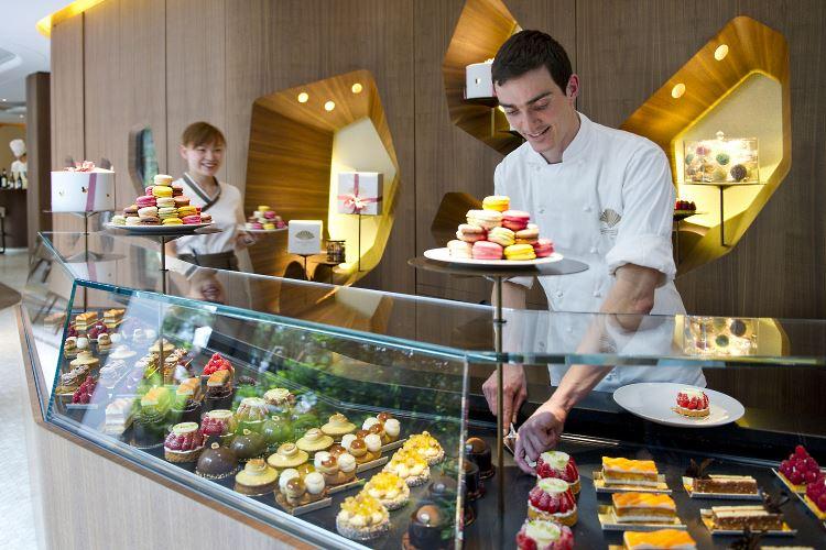 Mandarin Oriental Paris cakeshop