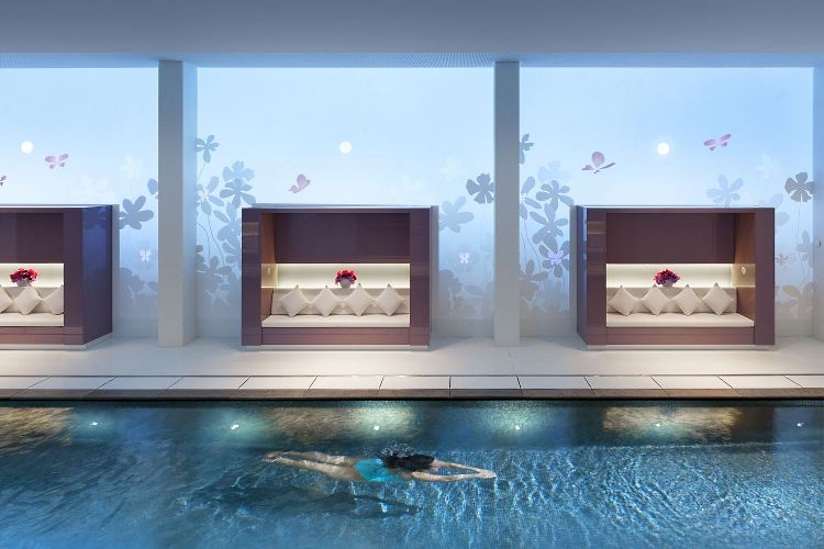 Mandarin Oriental Paris spa pool