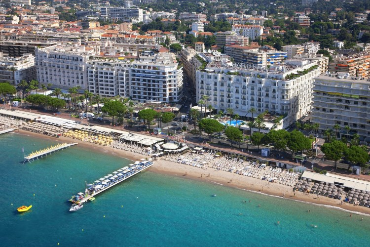 Grand hyatt cannes h tel martinez h tel de luxe cannes for Hotel luxe france