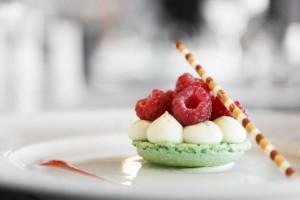 Fine macaroon dessert