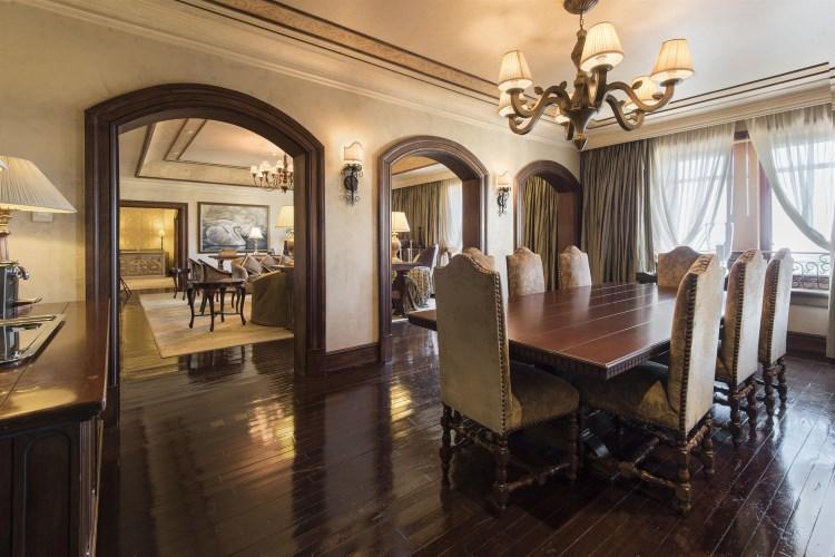 Palazzo Montecasino - Salle à manger de la suite Présidentielle