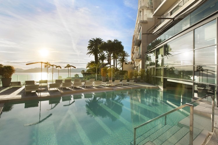 Radisson Blu 1835 Cannes - Piscine