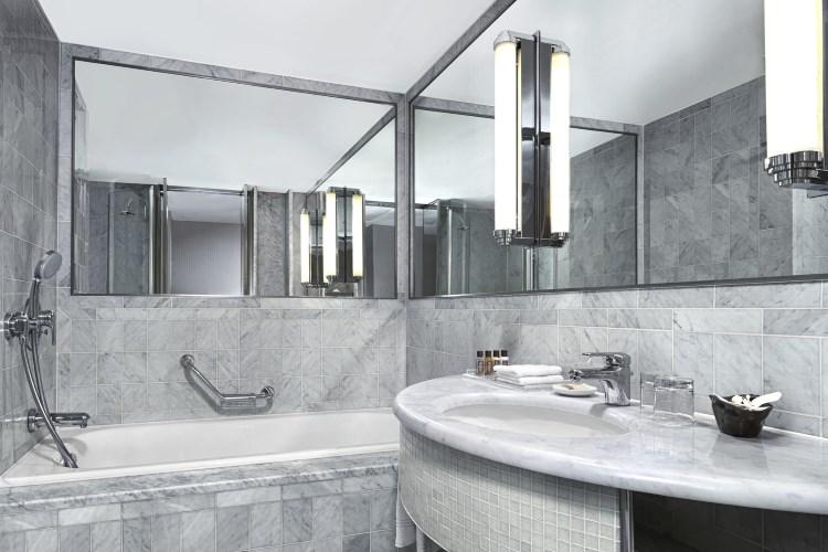 Hôtel Sheraton Aéroport de Paris - Salle de bains