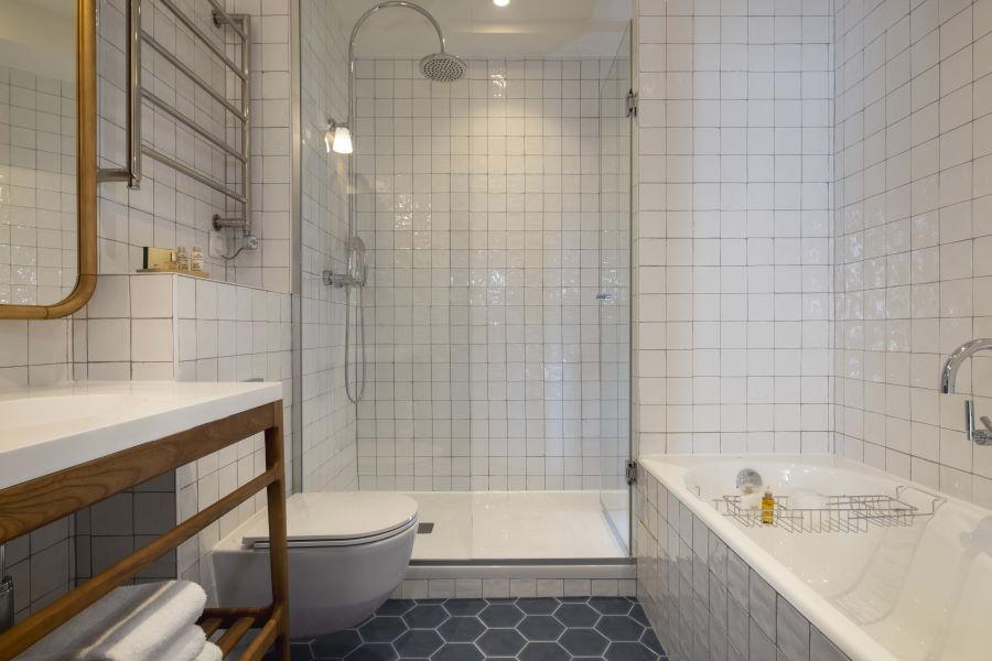 Hotel Louvre Montana - Bathroom