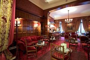 Bar le 17 Hotel Raphael Paris