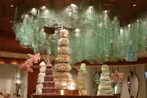 Bellagio chocolate fountain and wedding cakes