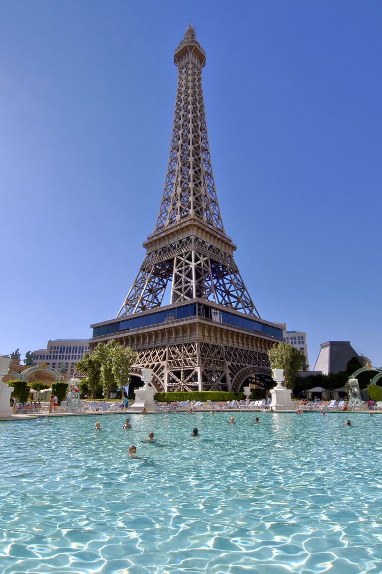 piscine Paris Las Vegas