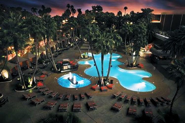 Treasure Island Las Vegas - Pool