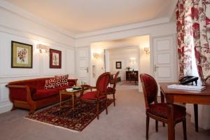 La Pérouse Suite seating area