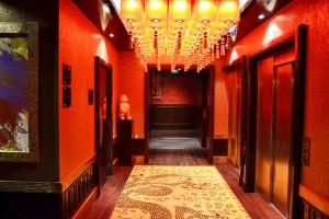 Couloir menant au restaurant