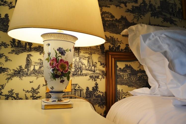 Lamp details