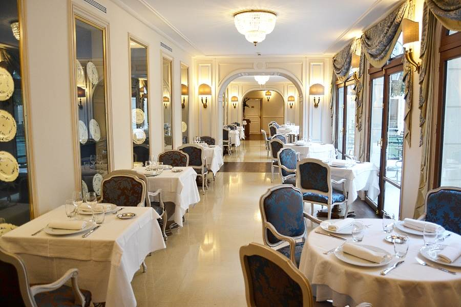 Auberge du jeu de paume chantilly luxury hotel in for Restaurant jardin lee