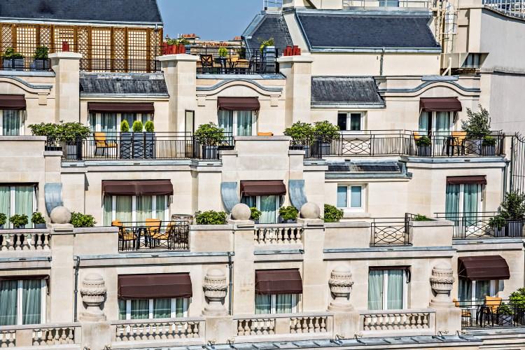 Prince de Galles Paris - Hotel facade