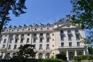 La façade du Trianon Palace