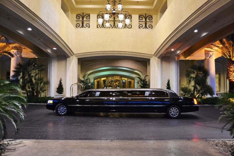Limousine in front of the Four Seasons Las Vegas