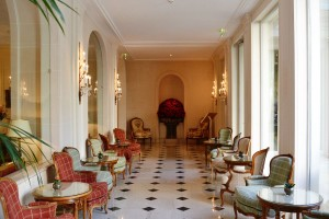 The corridor leading to the terrace