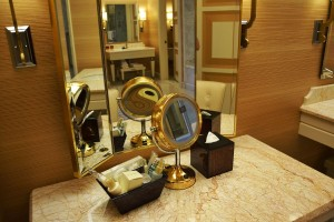 Dressing table and amenities
