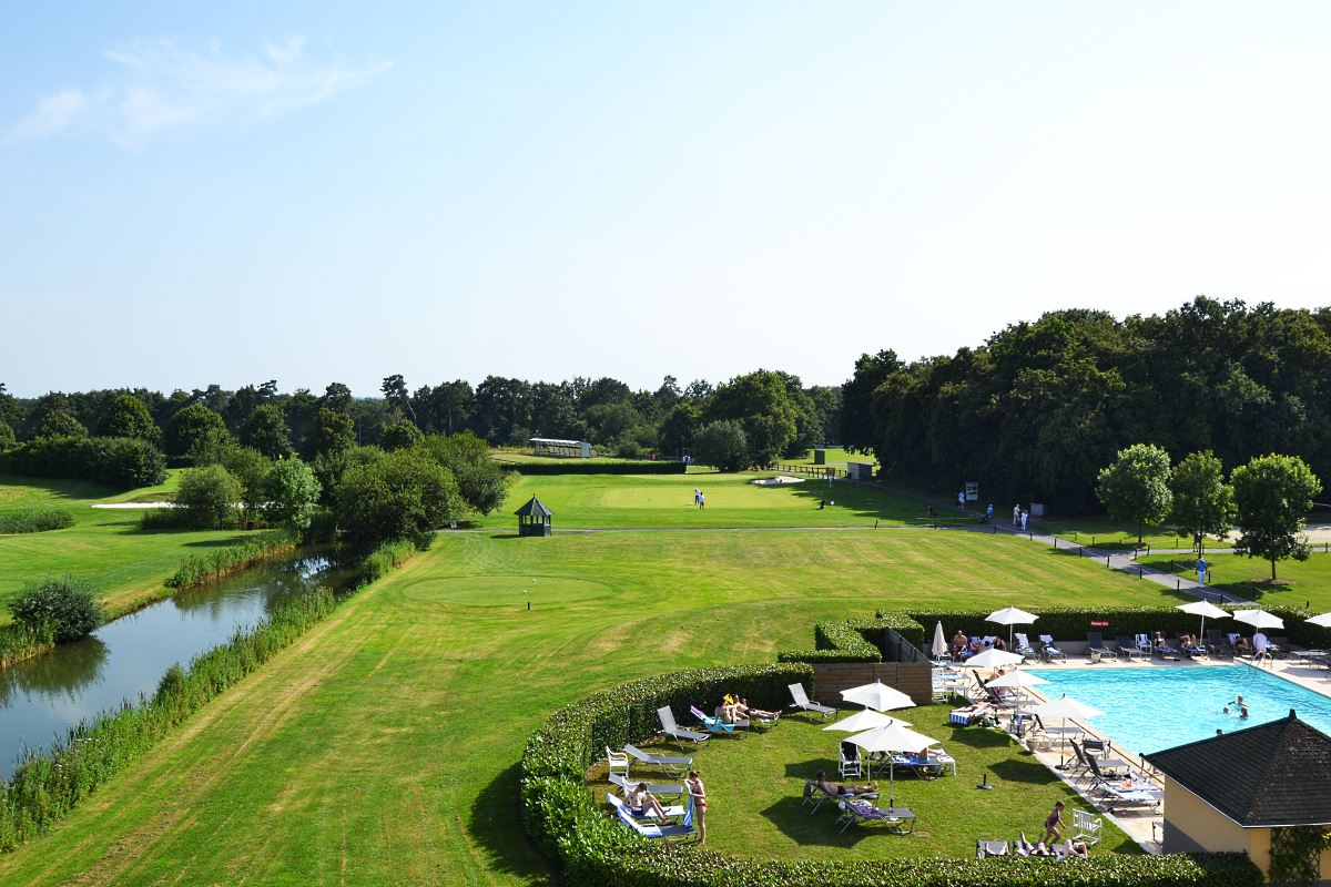 Dolce chantilly h tel de luxe chantilly france for Piscine chantilly