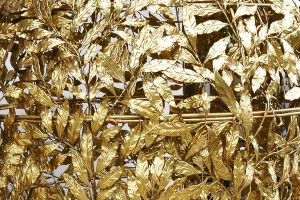 Gold leaves in the entrance