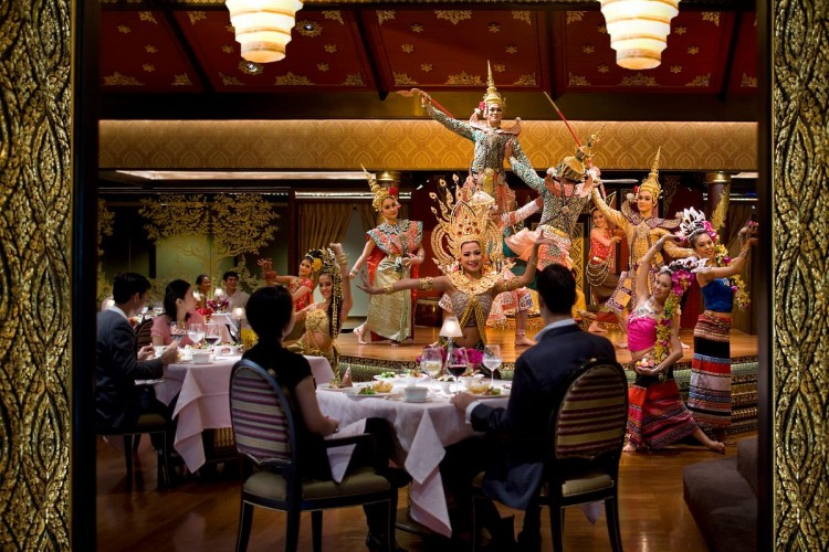 The Sala Rim Naam restaurant and the dancers' ballet