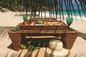 Chic picnic on the beach