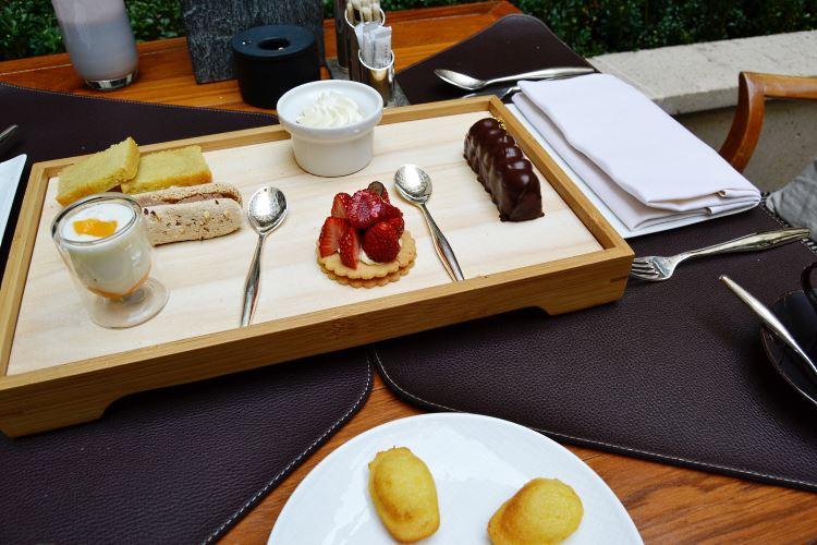 The Selection of Pastries at the Park Hyatt Paris-Vendôme