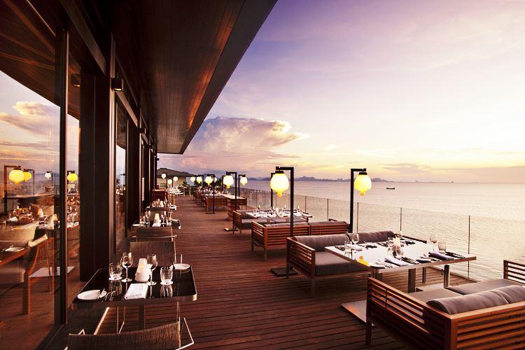 La terrasse du restaurant Zest au Conrad Koh Samui