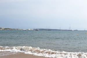 Îles du Lérins au loin
