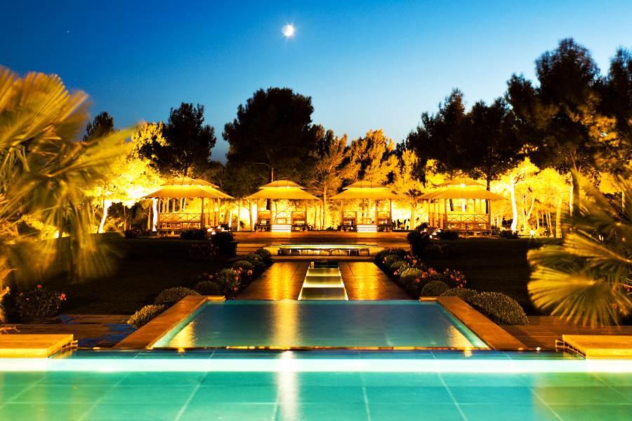 H tel du castellet h tel de luxe en france for Hotel de luxe en france